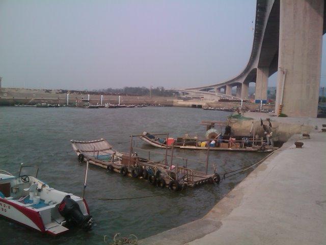 よくある港の風景